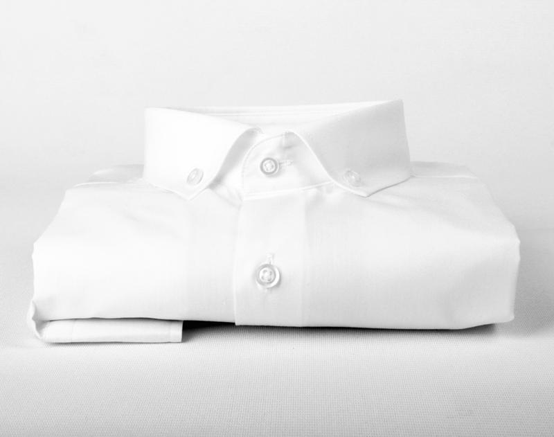 Beyaz Yaka Düğmeli Klasik Erkek Gömlek
