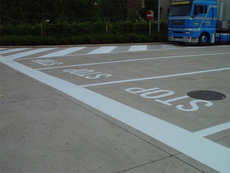 Peinture routière - Signalisation extérieure