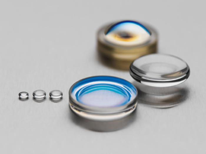 Präzisionsblankgepresste Glasoptiken - null
