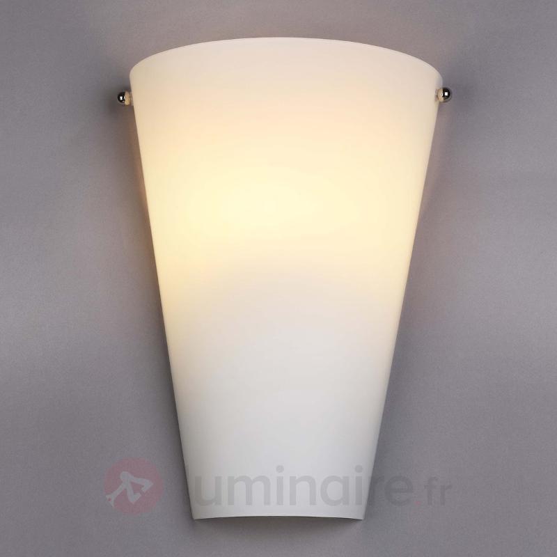 Applique en verre opale Alia avec LED E14 - Appliques LED