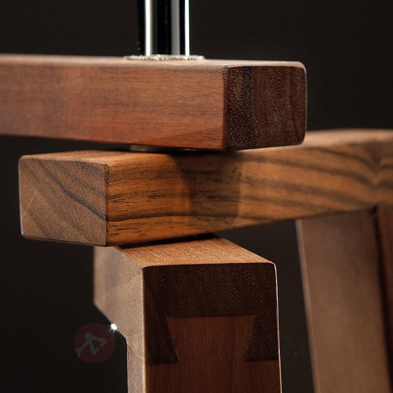 Lampadaire Trepai avec des pieds en bois de noyer - Lampadaires en bois