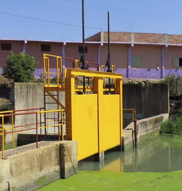Single Sluice Gate Drive 1214 - 2.5 - 10 t, closed gear, for continuous motor operation and modulating duty