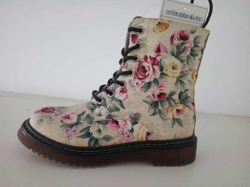 طباعة النساءيه أحذية