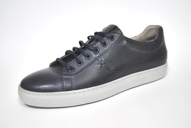 Men's shoes -