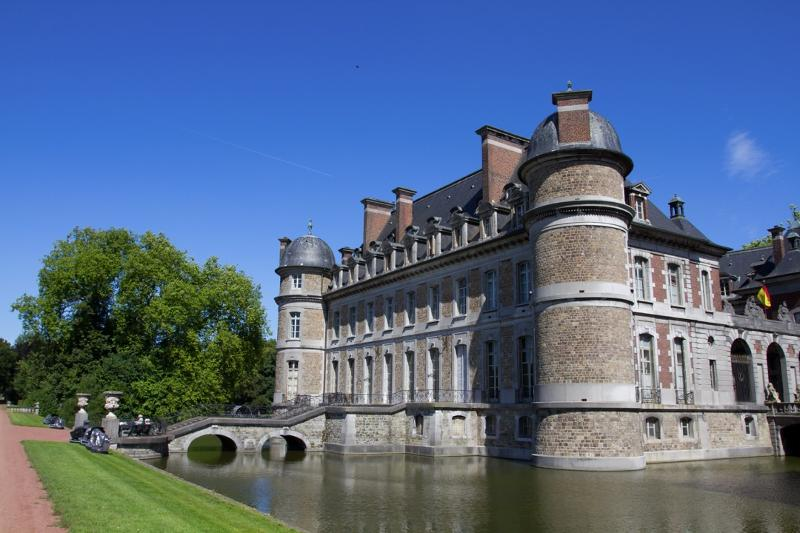 Belgian Castles Tour – experience life in the Middle Ages - Service- Tour operator