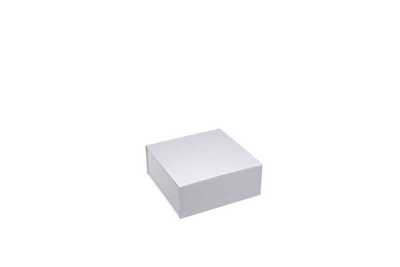 Magnetic boxes - space-saving reusable packaging for the retail trade