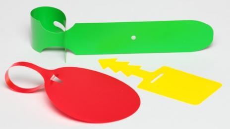Étiquette PVC/Plastique auto-accrochable  -
