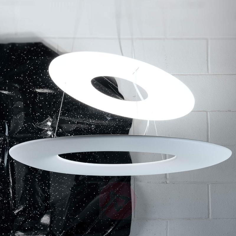 Innovatively designed Kyklos 2 LED hanging light - design-hotel-lighting