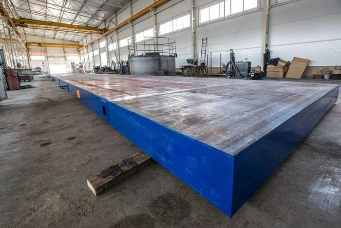 Stationary casting bed and production table - Manufacture of precast concrete products