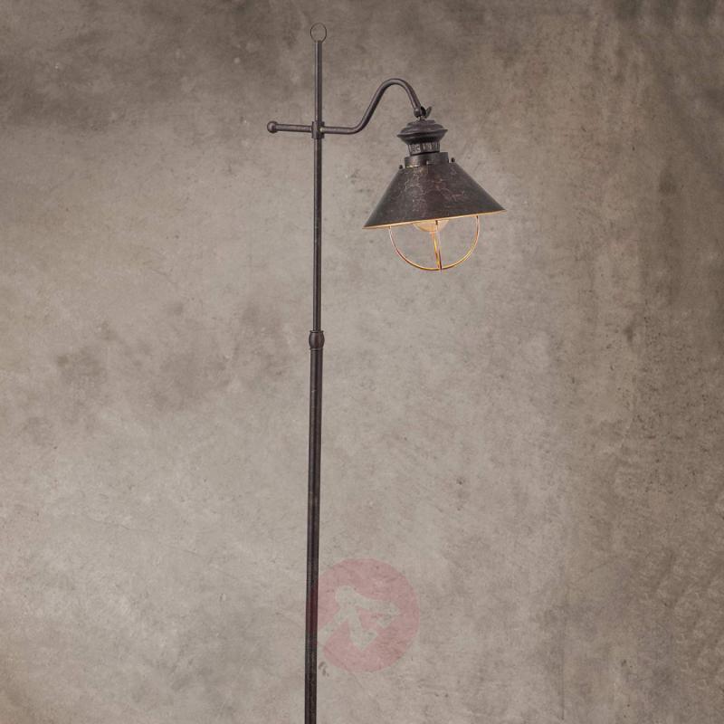 Shanta floor lamp in antique style - indoor-lighting