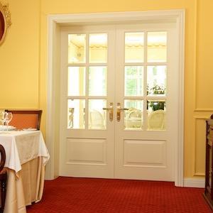 Белые межкомнатные двери из массива дерева на заказ - Белые двери из дуба, ясеня, ольхи. Индивидуальные размеры. Любая модель двери.