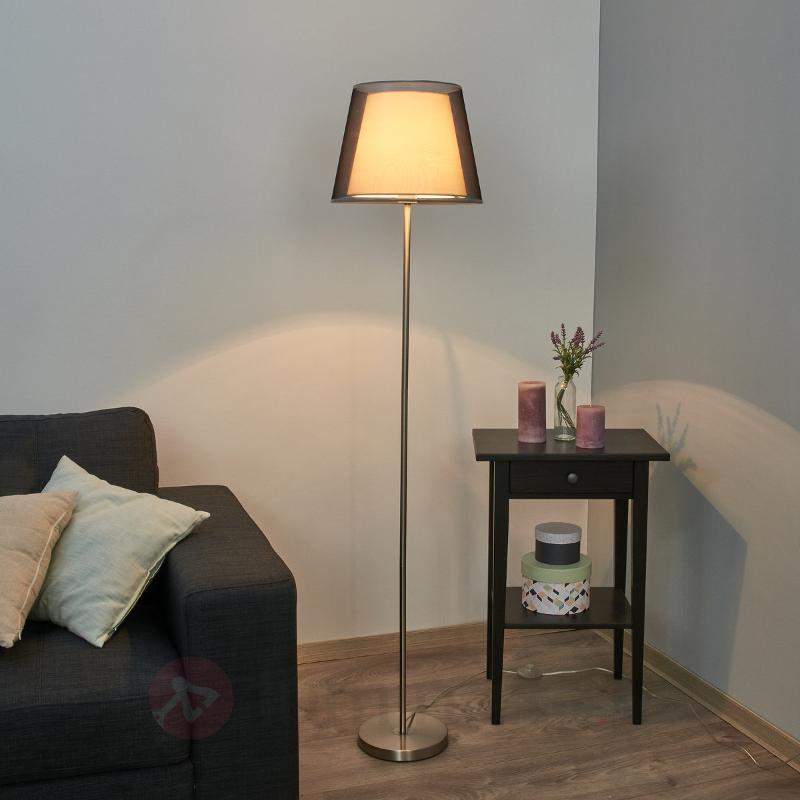 Attrayant lampadaire Weni avec abat-jour noir - Lampadaires en tissu