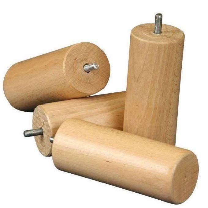 Patas de los muebles - Patas de madera para una cama.