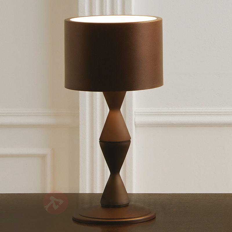 Lampe à poser de créateur Sara, couleur café - Lampes à poser designs