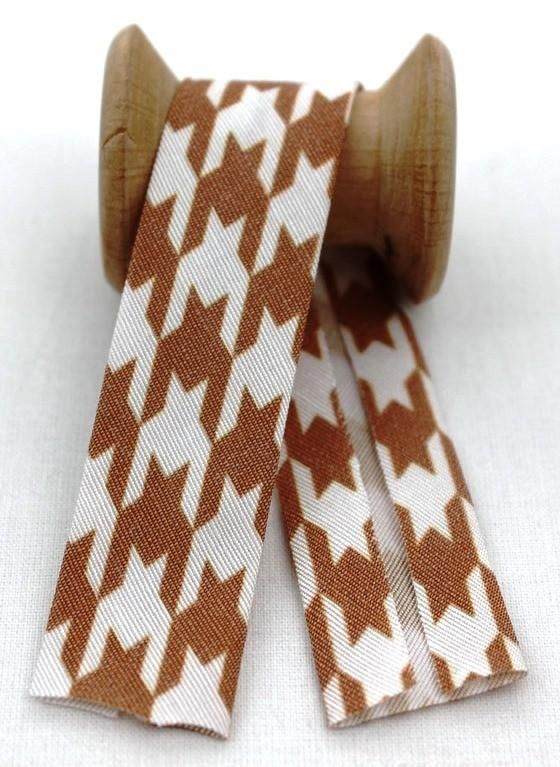 Biye 270 - Patterned Folded Piping
