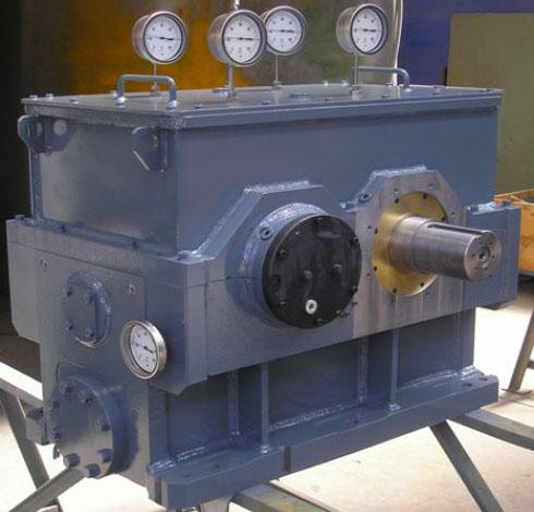 Turbo-multiplicateurs - Réducteur entre turbine et alternateur 3560 kW à 12100 rpm