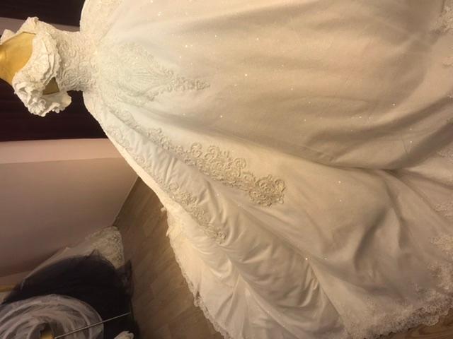 Robes de mariée  - Robes de mariée  princesse style charlotte