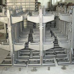 Charging racks and installations parts for shaft furnaces - Automotive and oven construction