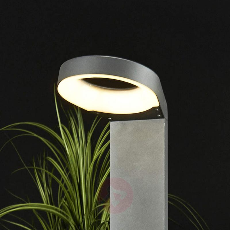 Jarka Modern LED Path Lamp - outdoor-led-lights