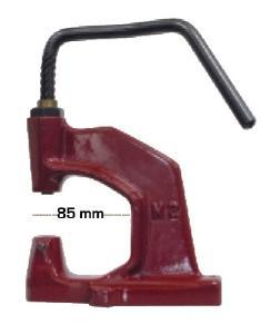 Presse manuelle oeillets/pressions M85