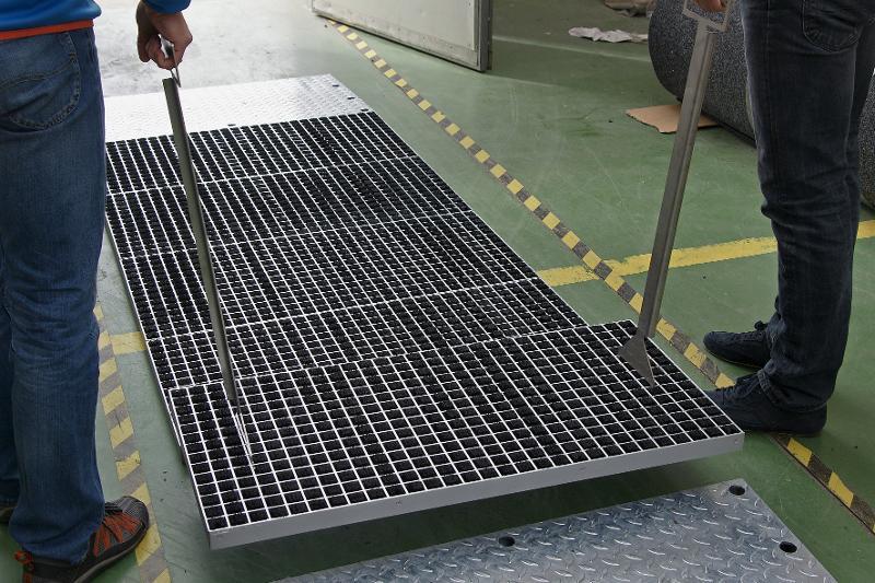 System czyszczenia przejazdowego Unimat 43B Hercules - Wycieraczki do wózków widłowych Unimat HERCULES