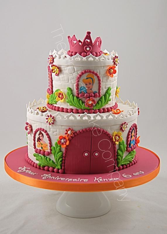 Gâteaux et Pièces Montées sur-mesure - Chateau de princesse rose