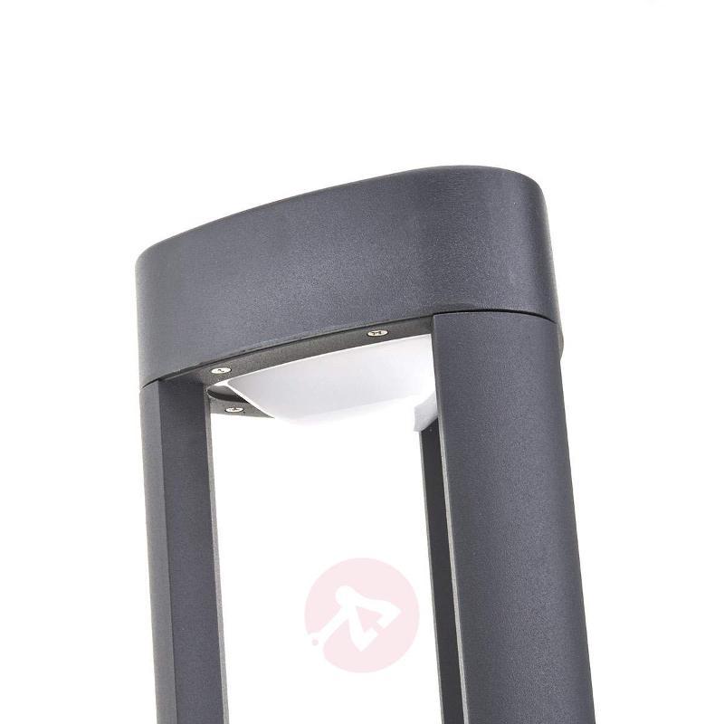 Nanna Triangular LED Pillar Lamp Made of Aluminium - Pillar Lights
