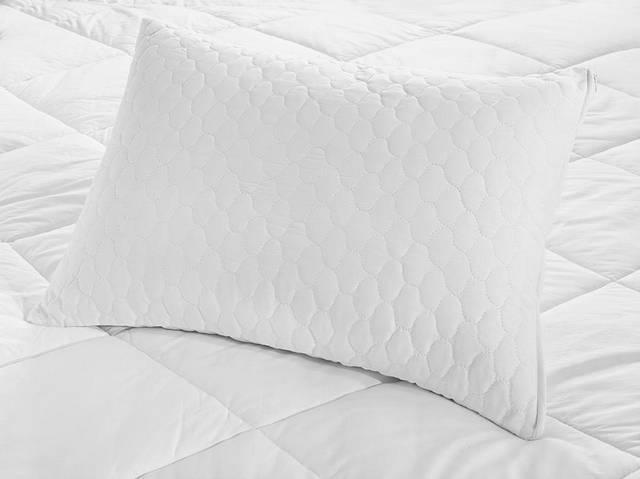 Quilted Kapitone Pillowcase