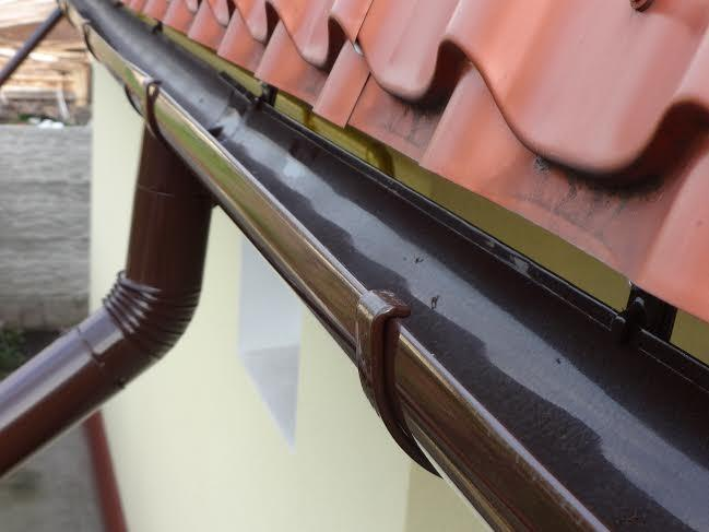 Gutters system - Galvanized and polymerized gutters system