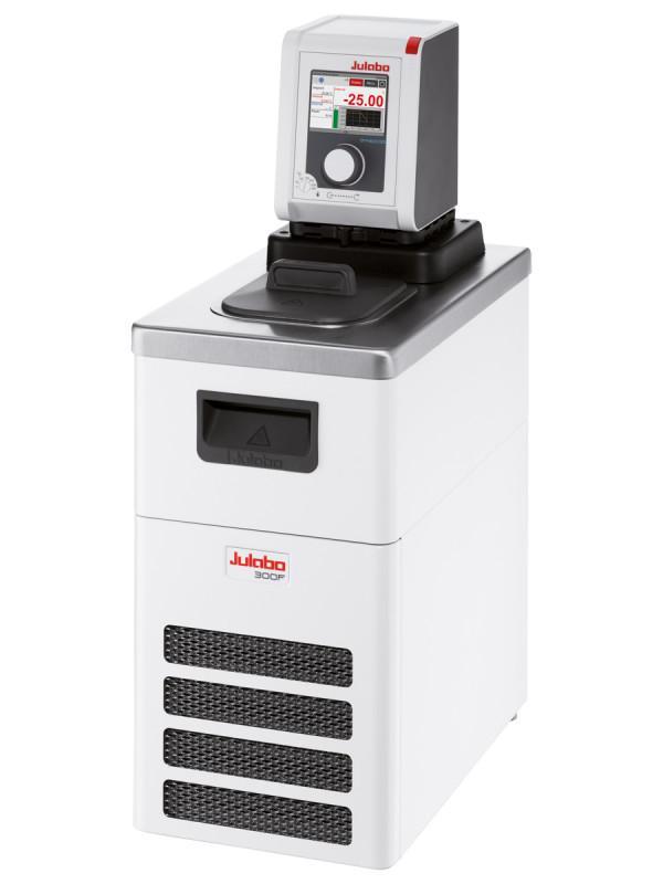 DYNEO DD-300F Refrigerated/Heating Circulator - Refrigerated circulators have a wide working temperature range.