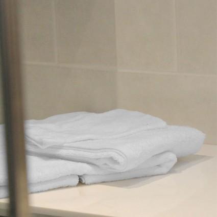 Linge de bain : serviettes et peignoirs - Linge éponge blanc Doa 400gr