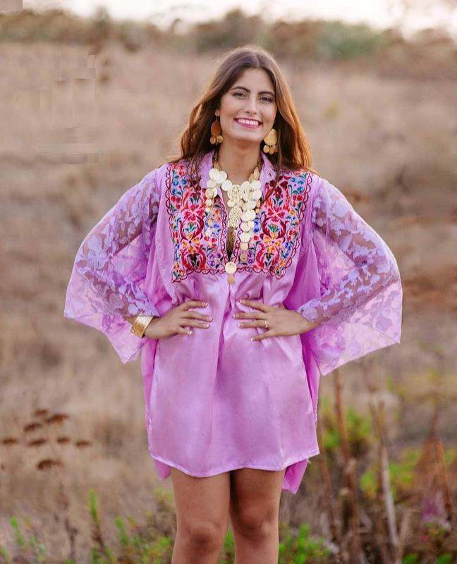 Haute Couture  - Vetements de Tradition & Haute Couture
