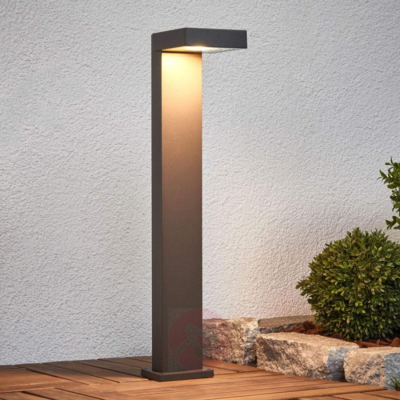 Linear LED pillar lamp Toska - outdoor-led-lights