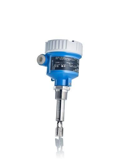 Liquiphant FTL41 - El detector de nivel vibratorio reduce la complejidad de la planta