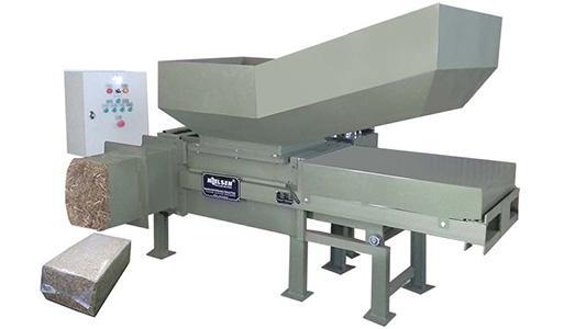 Presse emballeuse de déchets verts - Nielsen