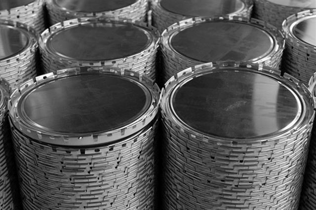 Seaux à couvercle pails (à sertir) ou couvercle plat avec cercle à levier - Dimensions et contenances possibles : Ø 180mm 5 litres 180x235mm 5.5 litres
