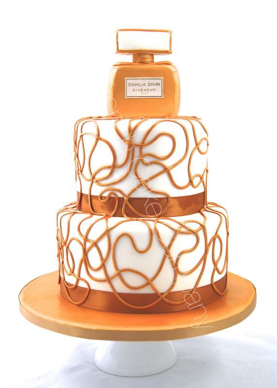 Gâteaux et Pièces Montées sur-mesure - Gâteau lancement nouveau produit