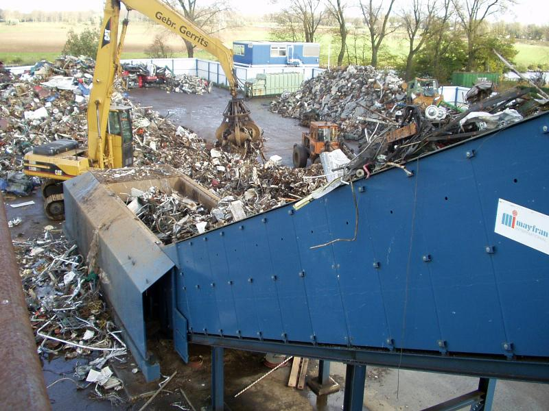 INFEED CONVEYORS FOR SCRAP AND SOLID WASTE SYSTEMS - A400