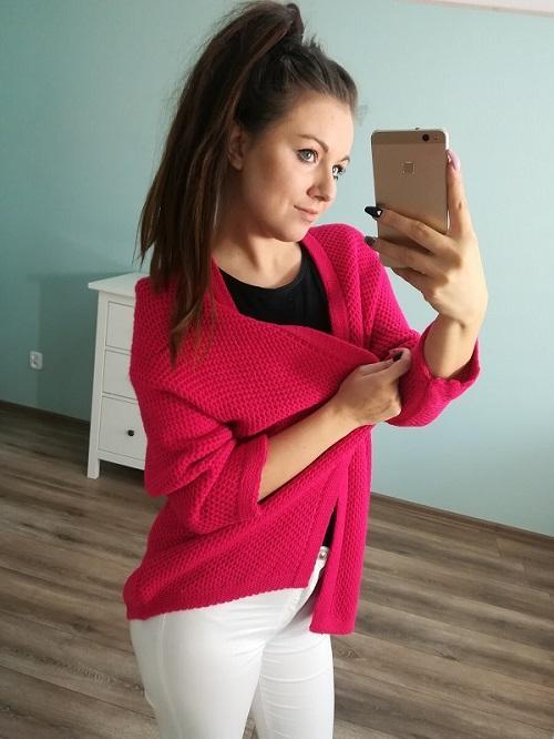 SWETER NARZUTKA NEO PINK - Sweterek, narzutka w przepięknym, wyrazistym odcieniu malinowym . Stanie się kro