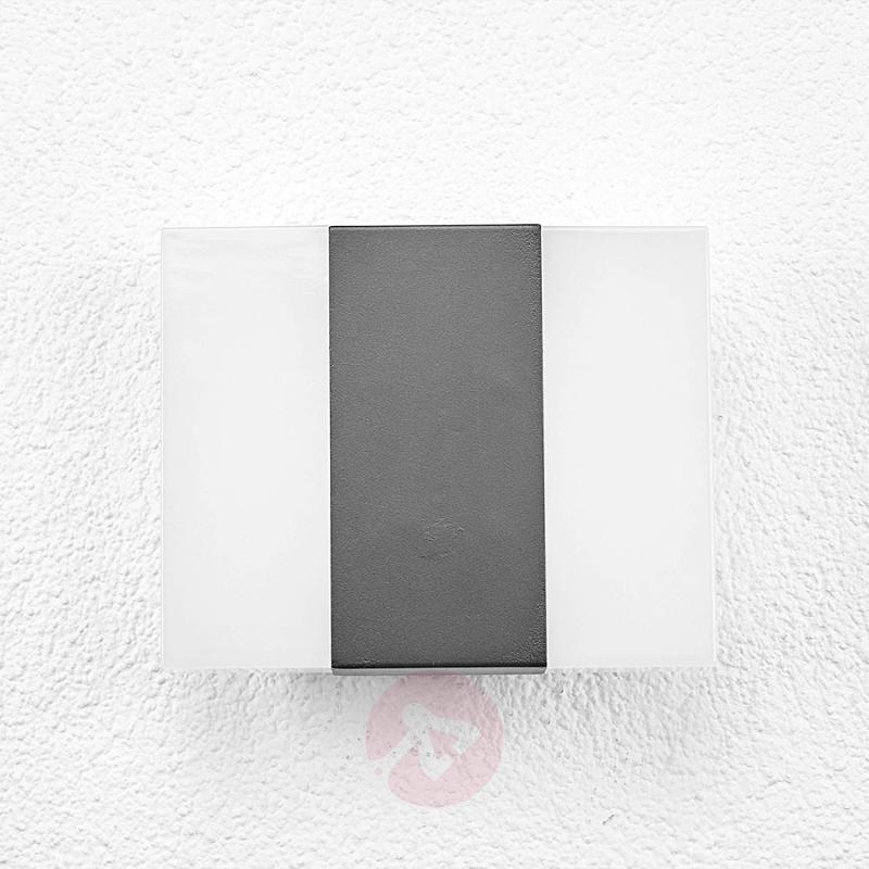Börje - LED outdoor wall light in a square shape - outdoor-led-lights