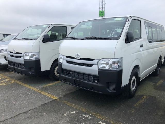 Toyota Hiace 3.0d Minibus - Cars