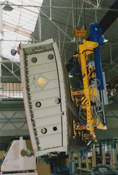 Aircraft parts vacuum lifter - Aircraft industry