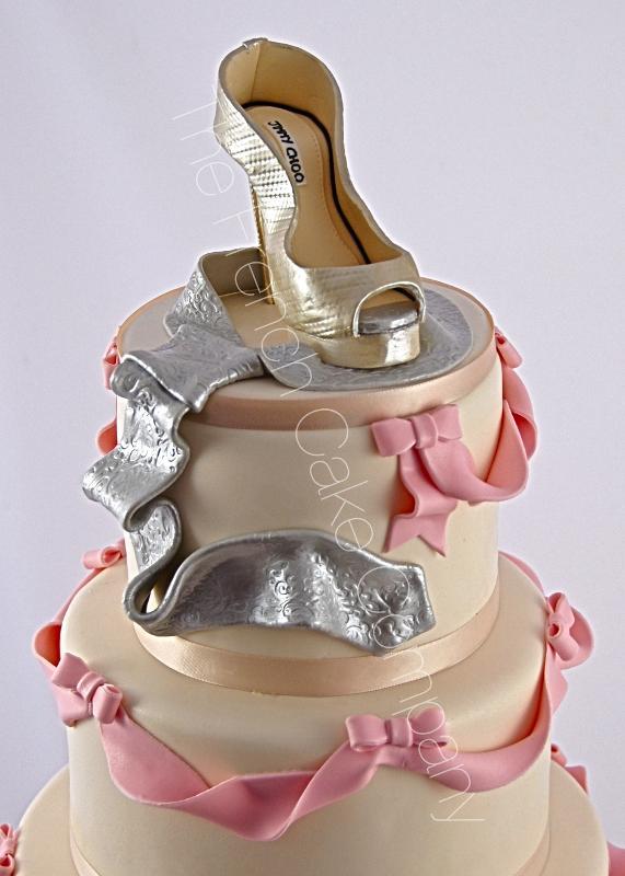 Gâteaux et Pièces Montées sur-mesure - Chaussure de Cendrillon