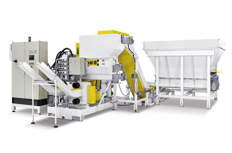 RUF metal press - For pressing metal residues from aluminium, steel, castings, etc.