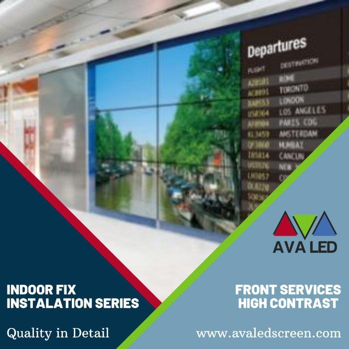 Informační obrazovky s recepcí hotelu - Informační obří AVA LED displeje