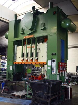 Pliage acier et inox - Par presses mécaniques