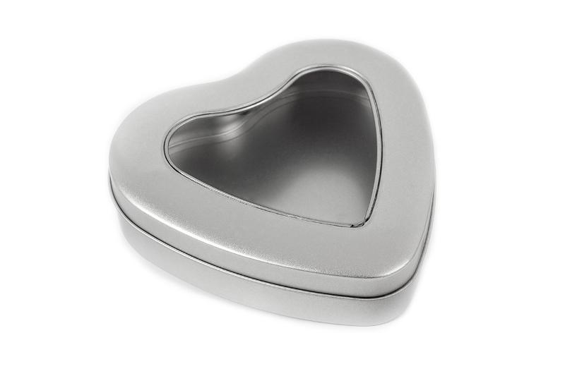 Heart-shaped tin with window - null