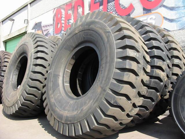 Truck tyres - REF. 3600X51.LEV.E4