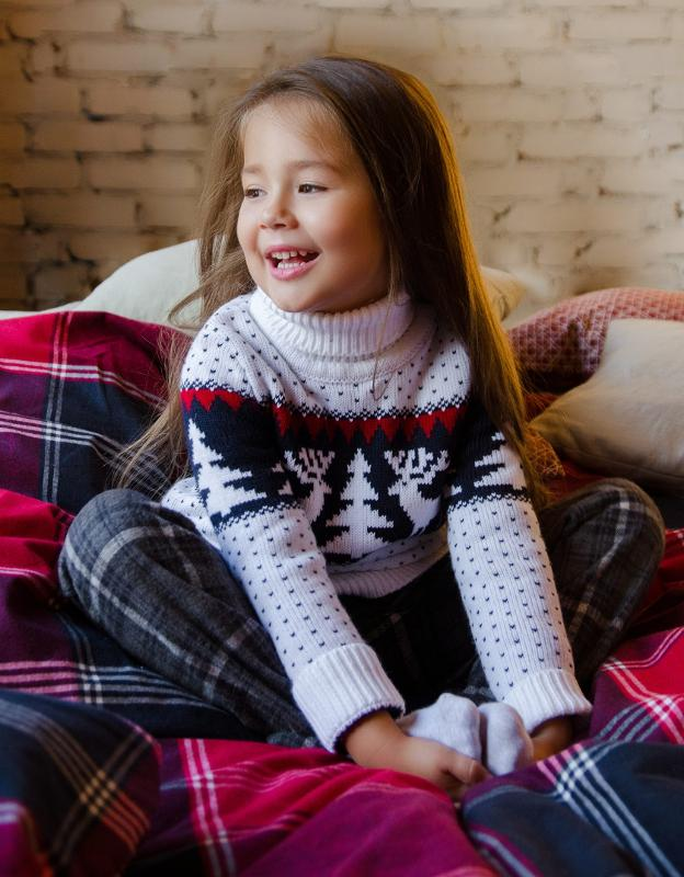 Sweater with a Christmas tree - Girls