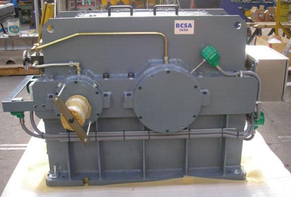 Turbo-multiplicateurs - Réducteur entre moteur électrique/compresseur alternatif 620 kW à 370 rpm